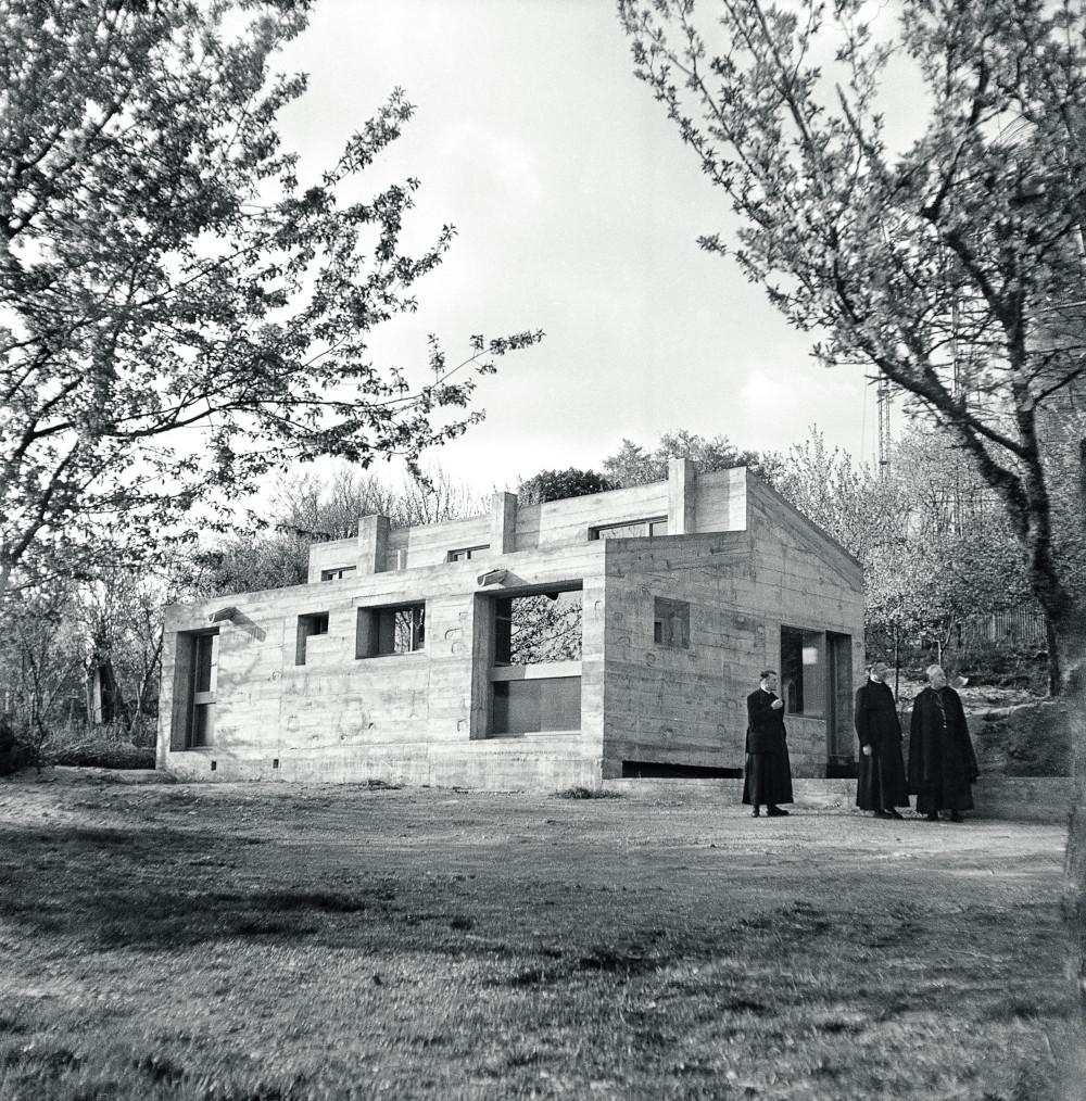 La maison du chapelain par Bueb Le Corbusier Ronchamp